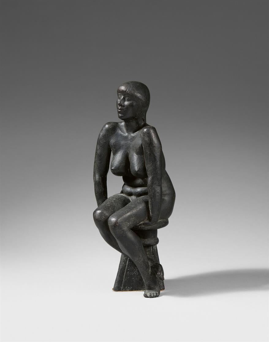 Christian Höpfner.Sitzender weiblicher Akt. Bronze, dunkel patiniert. Monogrammiert.