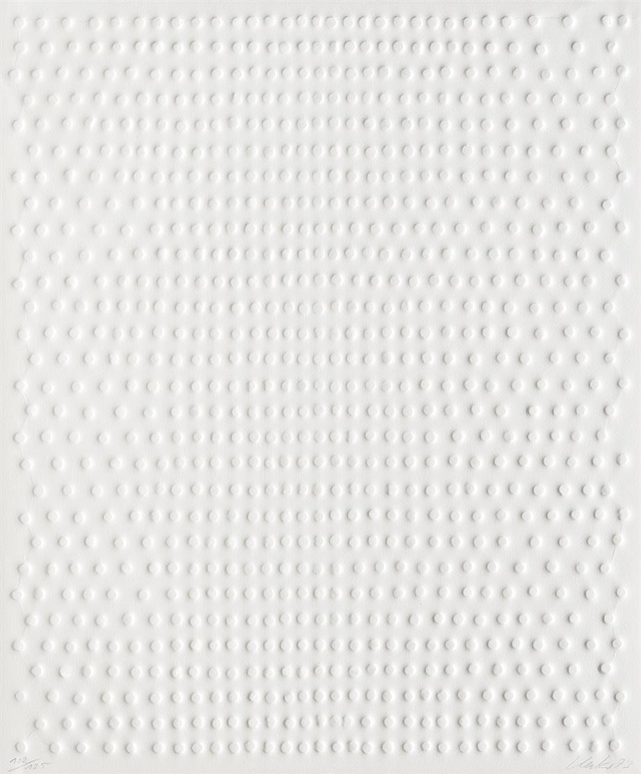 Günther Uecker. Ohne Titel (Reihung). 1973. Prägedruck. Signiert. Ex. 102/125.