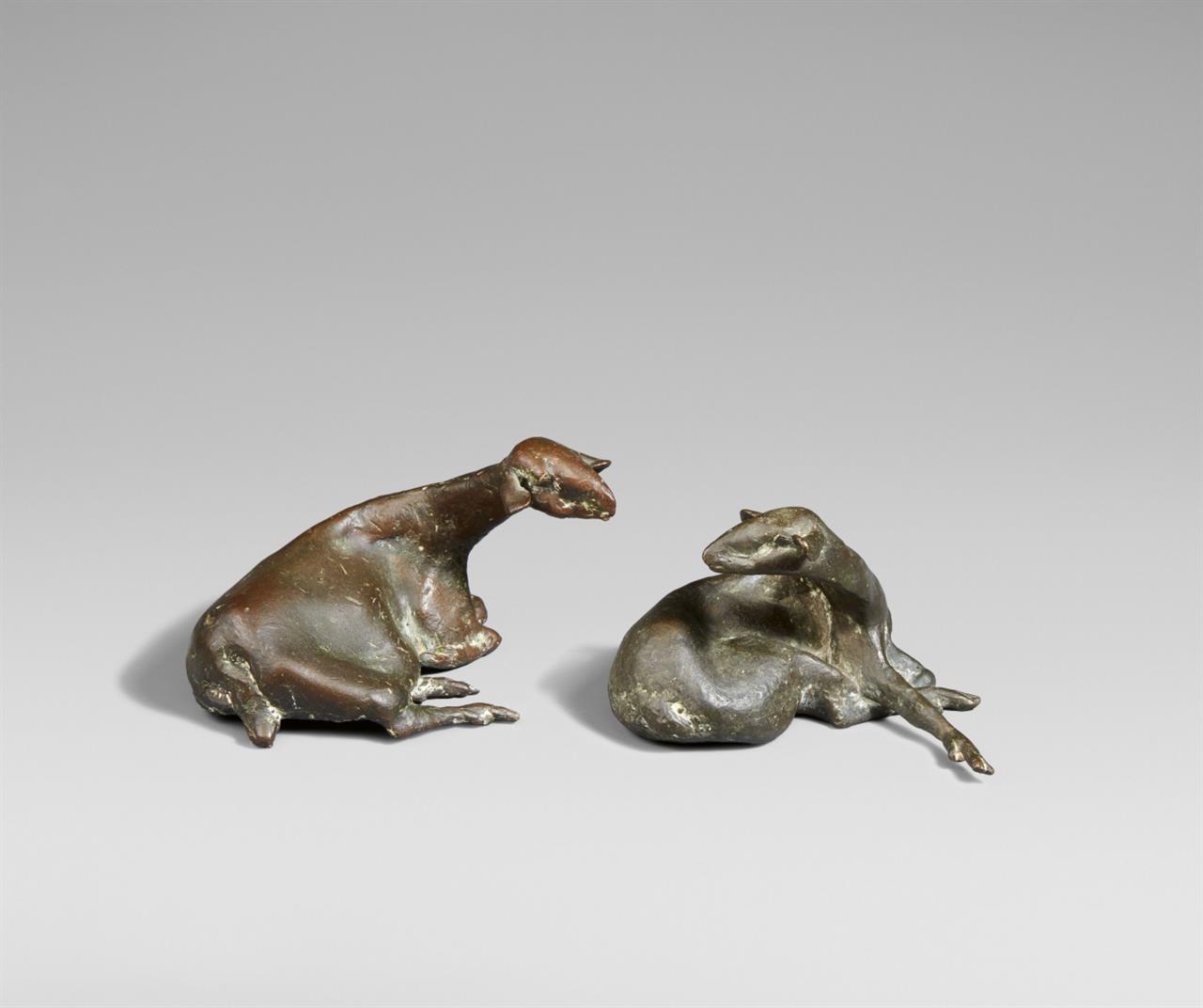 Heide Dobberkau. Zwei Schafe. 2 Bronzen. Monogrammiert.