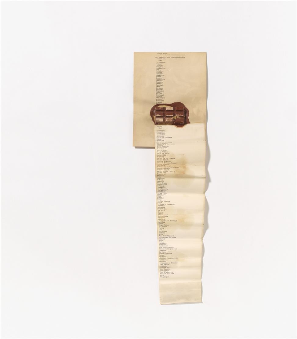 Mappenwerk. Dé-coll/age 5. 1966. 22 meist gedruckte Beiträge, dabei u.a. Joseph Beuys (