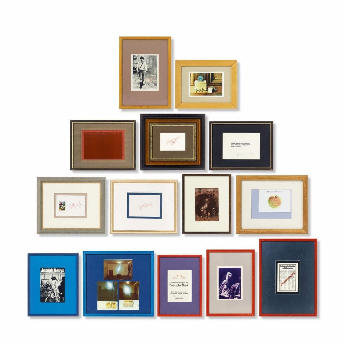 Joseph Beuys. 16 Postkarten (in 14 kleinformatigen Rahmen). 1972-85. Edition Staeck. Jeweils signiert.