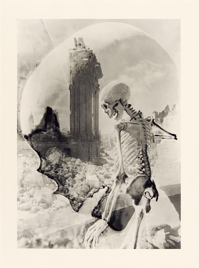 Edmund Kesting. Dresdner Totentanz. 1992. Mappe mit 5 Fotografien. Griffelkunst E 199 I-V.