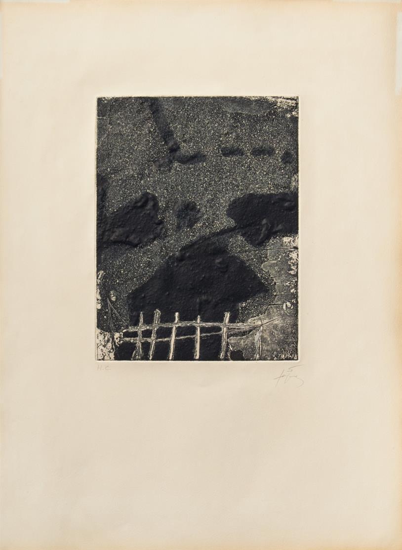 Antoni Tàpies. Aus: La clau del foc. 1973. Farbradierung mit Reliefprägung. Signiert. Ex. H.C. Galfetti 368.