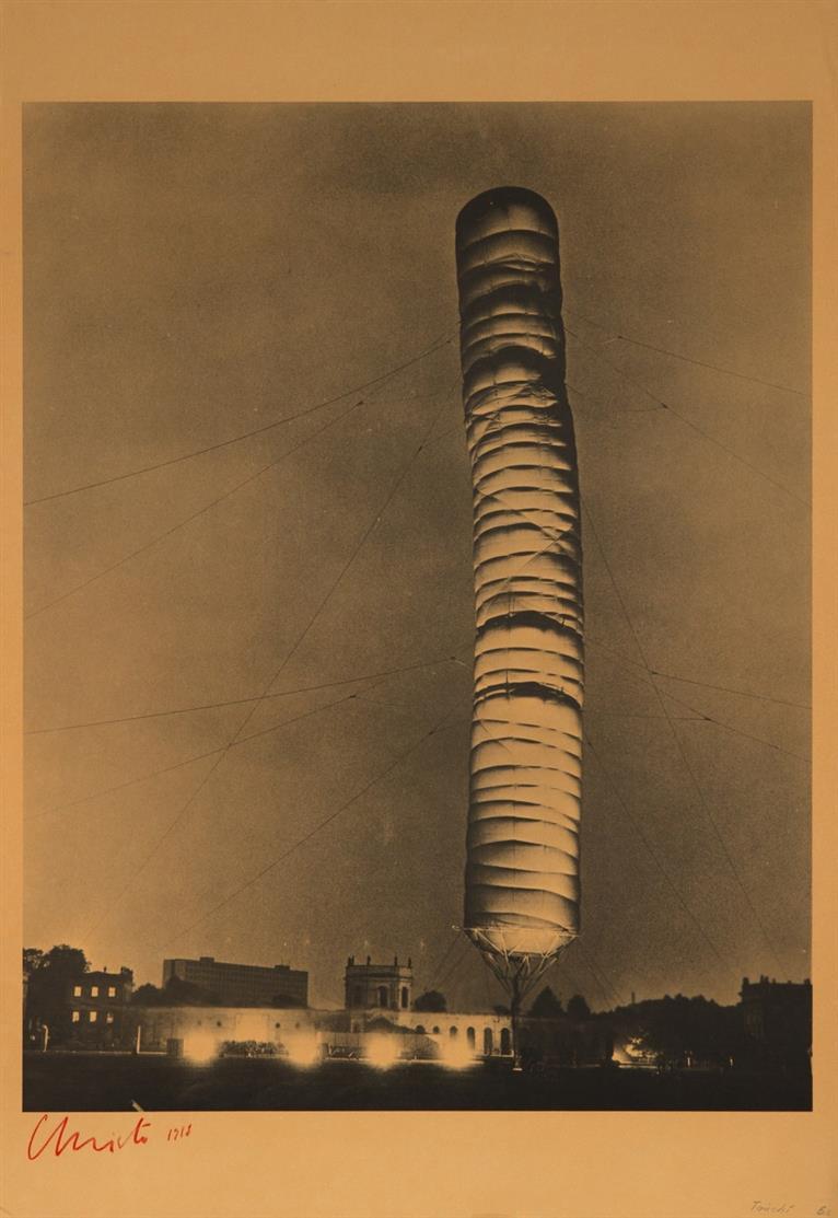 Christo. 5,600 Cubic Meter Package, Kassel 1968. Farboffset. Signiert. Schellmann/Benecke 11.