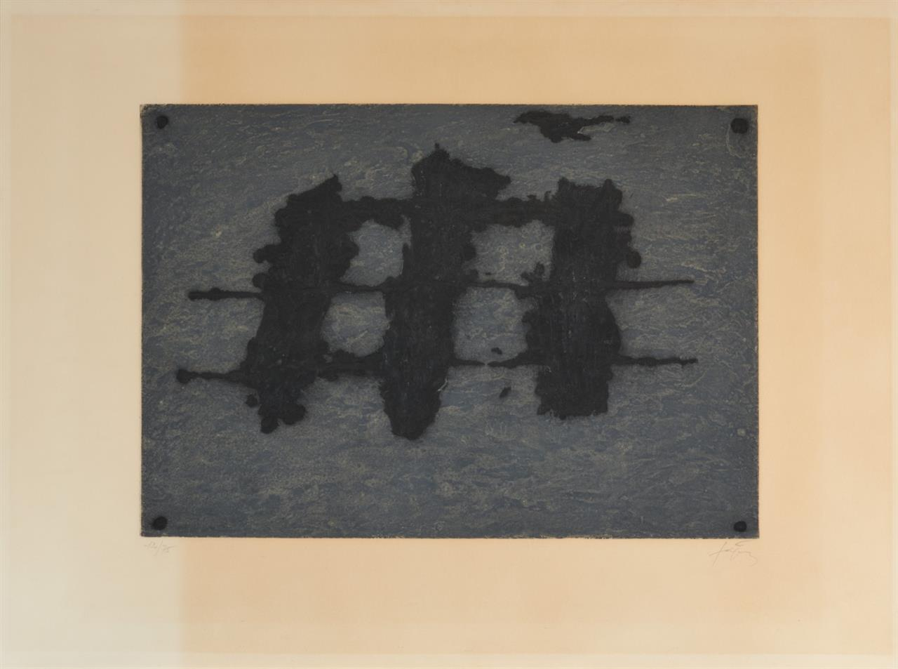 Antoni Tàpies. Trois taches et trois lignes noires. 1972. Radierung in Schwarz und Grau. Signiert. Ex. 12/75. G. 319.