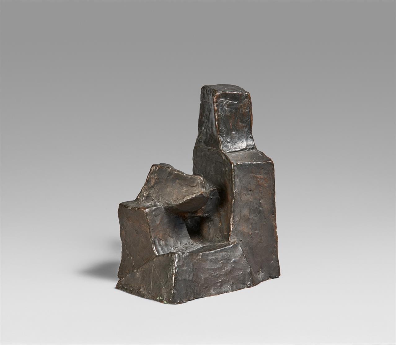 Fritz Wotruba. Kleine sitzende Figur. Signiert. Bronze. Ex. 359.