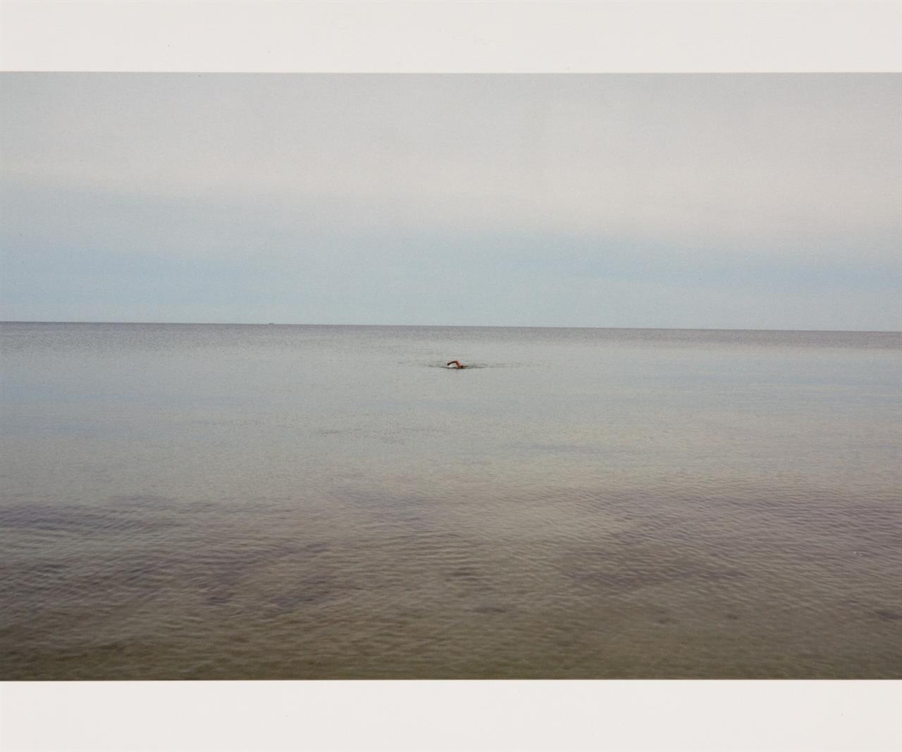 Juergen Teller. Swimming, Glemmingebro, Sweden. 2015 (2017). Giclée print. Ex. 24/120. + Sign. Zertifikat. T.z.K. 107.