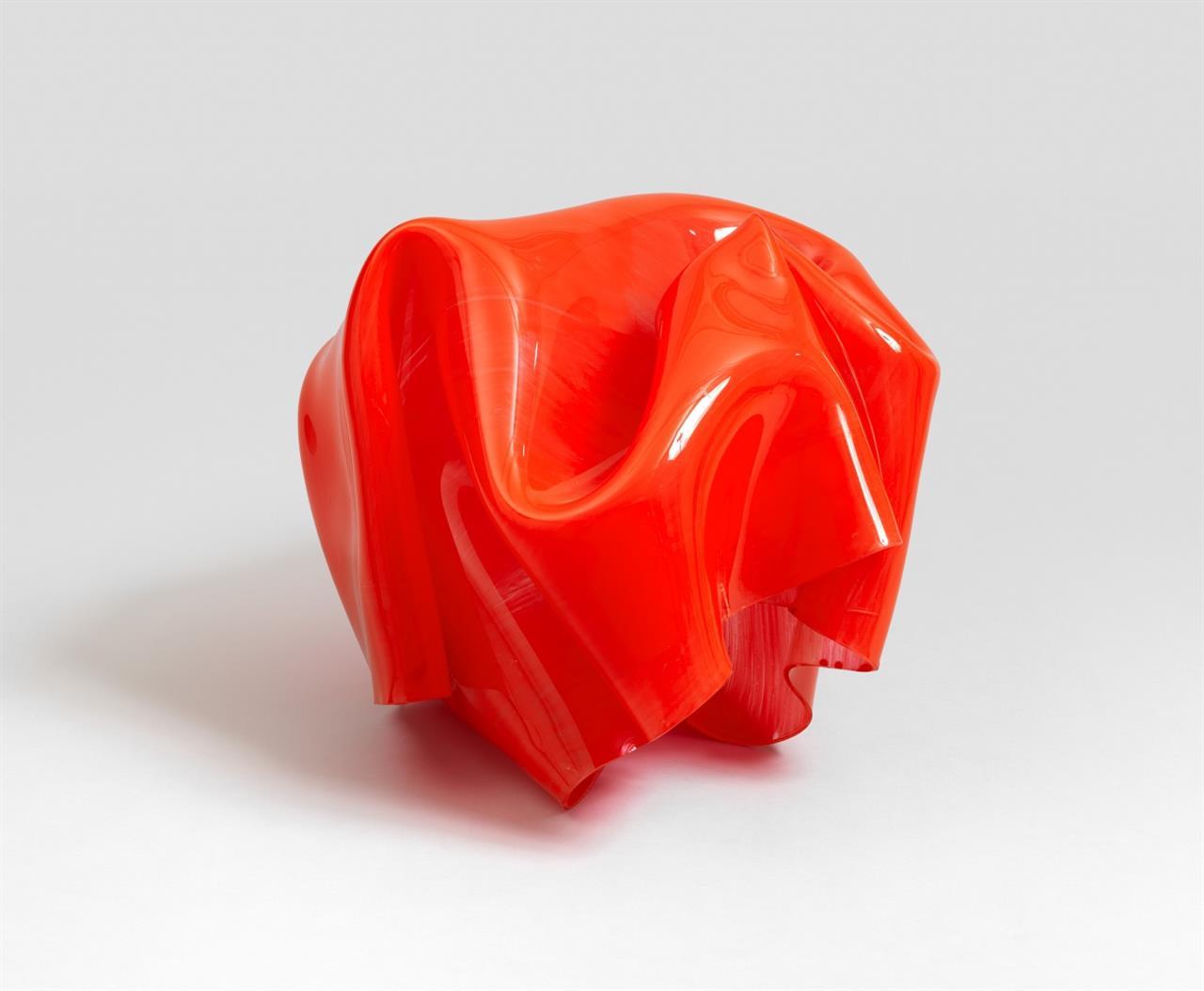 Paul Schwer. Red Bao 12. 2012. Siebdrucklack auf Plexiglas Resist, durch Hitze verformt. Signiert.