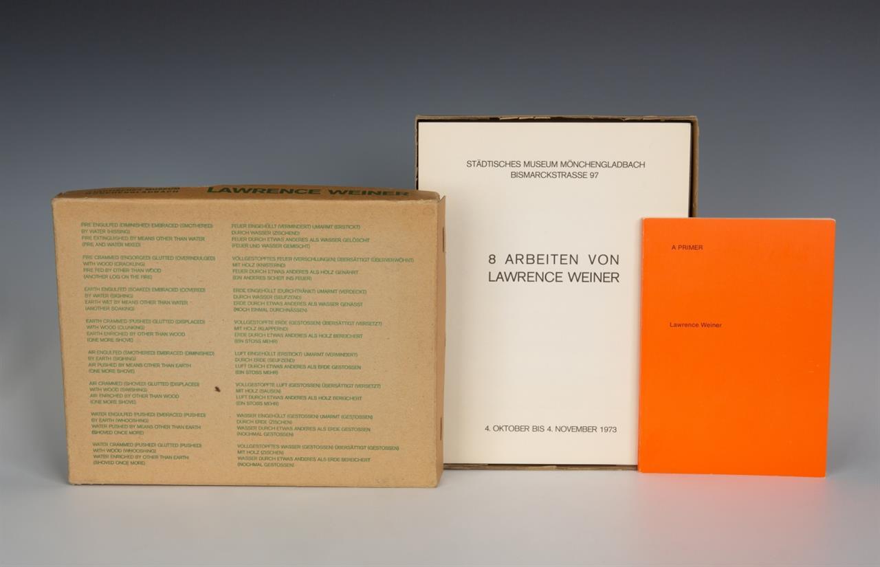 Lawrence Weiner. 8 Arbeiten von Lawrence Weiner. Kassettenkatalog Museum MG. 1973. Ex. 103/300.