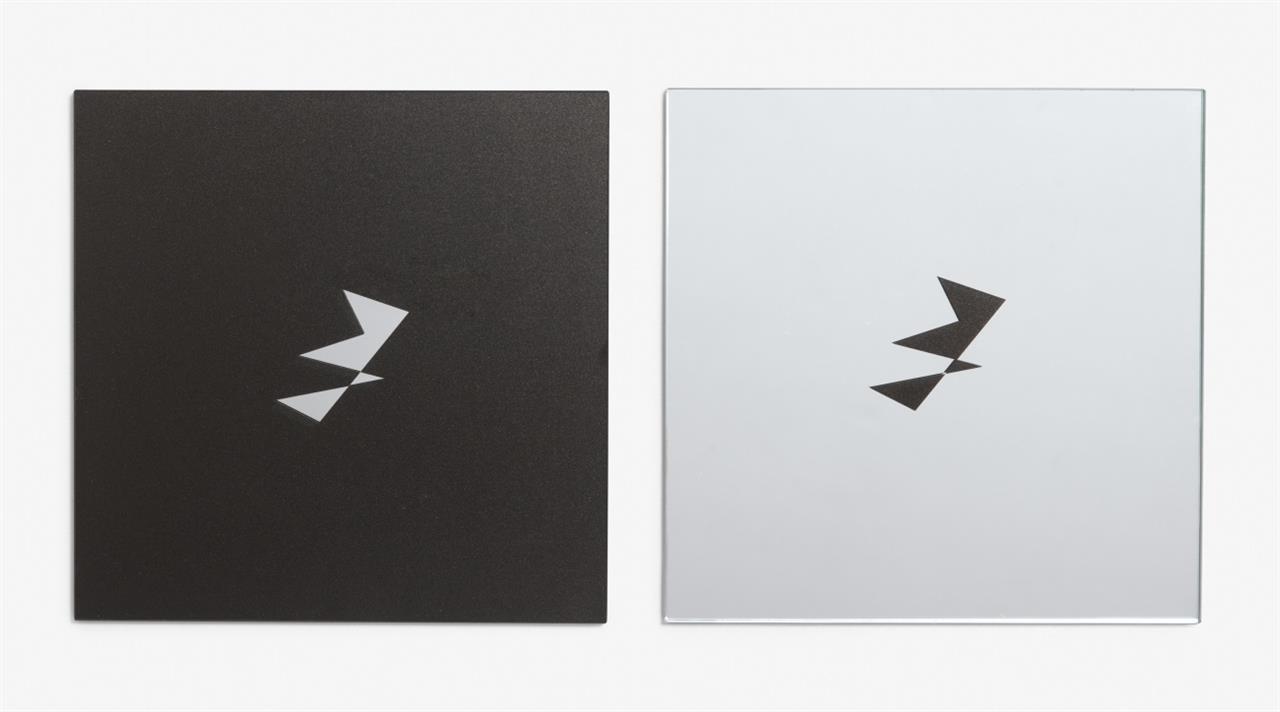 Ulrich Rückriem. Vogel. 2010. 2-teilig, schwarzmatter Siebdruck auf Glas (Spiegel). Je verso signiert. Ex. 1/30.